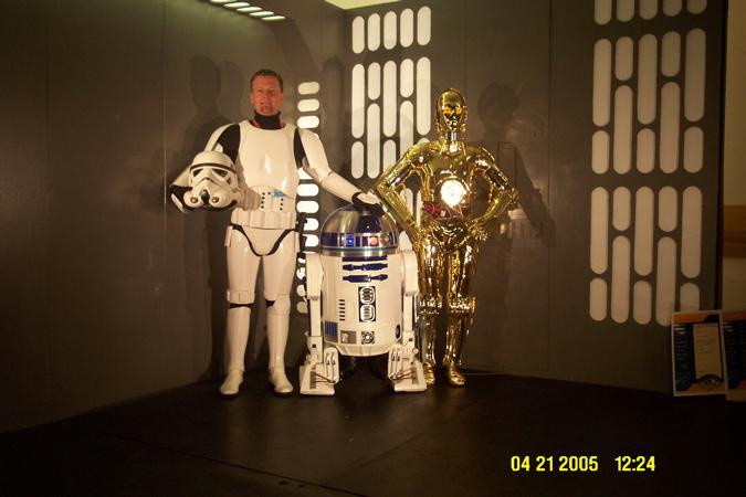 Chris Lee und sein R2-G4
